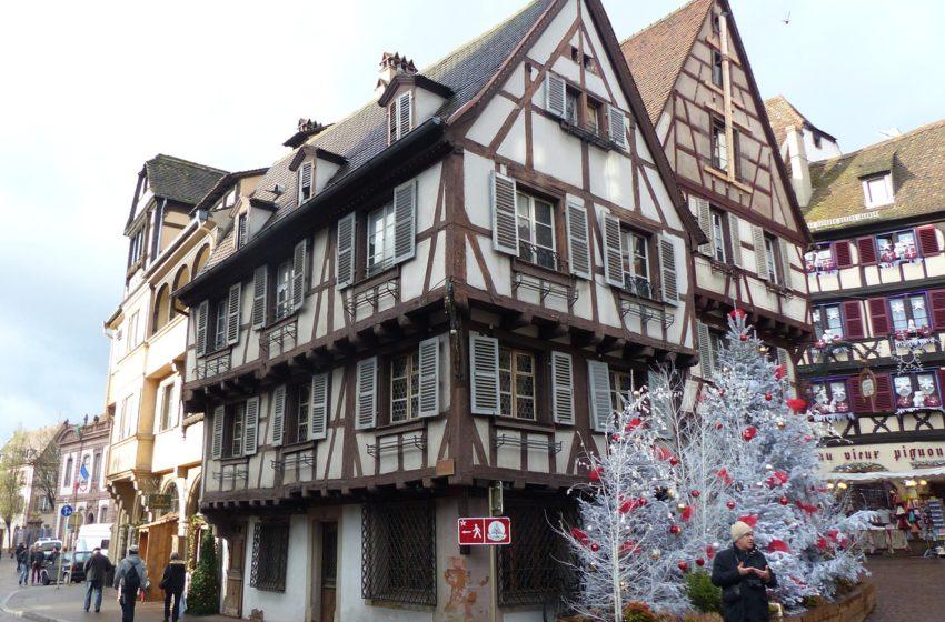 Noël s'installe à Colmar en Alsace